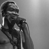 Fela Kuti el músico que declaro 356 veces frente a un tribunal de justicia