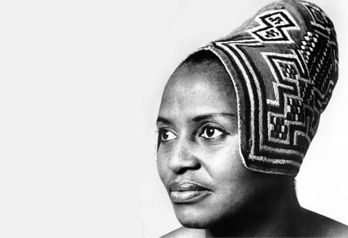 Biogrtafia de Miriam Makeba, la mama África