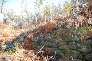 Muros do castro de Bexo, en Dodro / conocergalicia.com