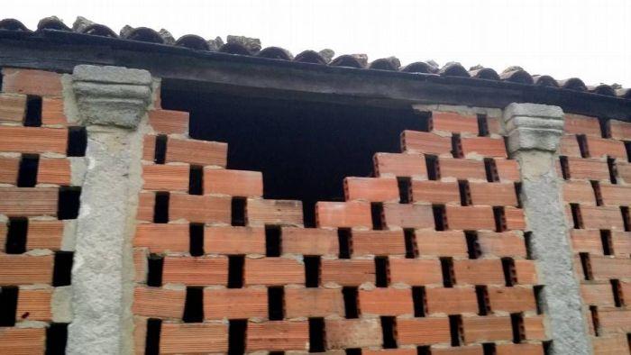 Feísmo nunha construcción tradicional galega / www.clum.in