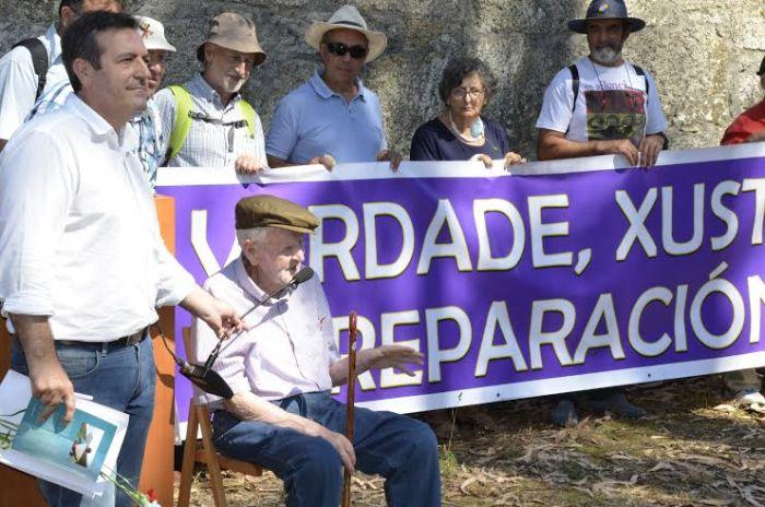 Acto na Illa de San Simón en lembranza dos republicanos presos no seu campo de concentración / Iniciativa Galega pola Memoria