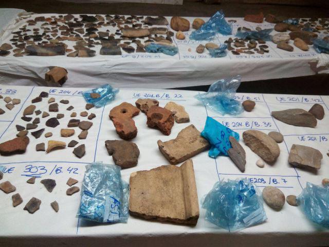 Material atopado no castro de Santa Lucía, en Castrelo do Miño / uvigo