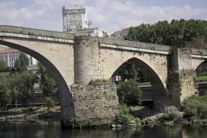 Piares da Ponte Vella de Ourense / turismo.gal