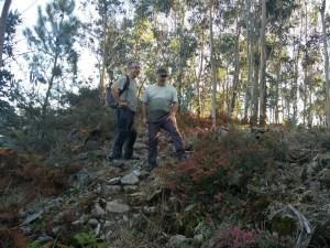 O divulgador Elixio Vieites e o impulsor do proxecto de recuperación do castro de Bexo, Xoán Xosé Vicente / XS