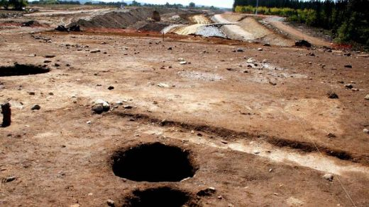 """Atopan o que podería ser un """"cemiterio"""" do final do Bronce ao carón dun castro en Melide"""