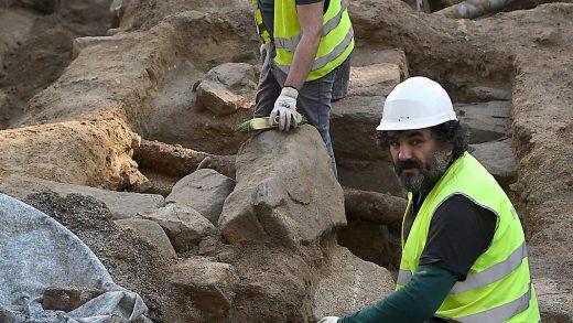 Aparecen restos da antiga muralla e Porta do Sol de Vigo pero non se sabe que vai pasar con eles