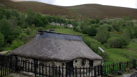 A fronteira entre Galicia e Bierzo perde outra palloza nun dos conxuntos máis excepcionais dos Ancares