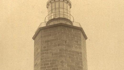Ven a luz nun xornal da Costa da Morte as primeiras fotografías conservadas do Cabo Fisterra