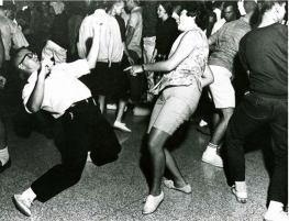bailando-twits-na-discoteca-ideal-6