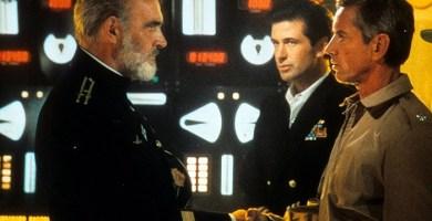 Sean Connery, Alec Baldwin y Scott Glenn en una de las escenas de la película