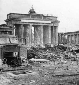 La zona de la puerta de Brandenburgo al final de la Segunda Guerra Mundial