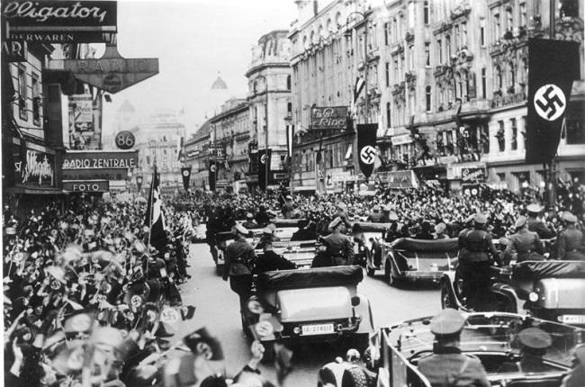 Tropas alemanas entrando en Viena, una de las causas de la segunda guerra mundial