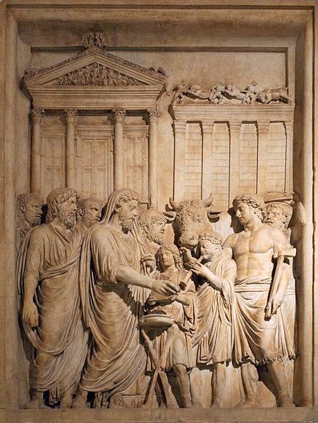 Relieve del Museo Capitolino de Roma en donde aparece el emperador Marco Aurelio con sacrificios romanos