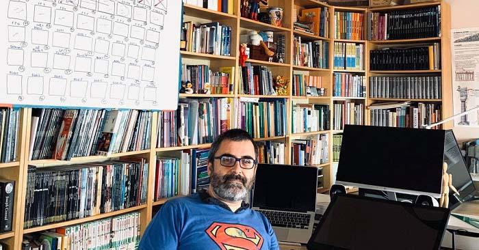 Pedro Cifuentes en su lugar de trabajo
