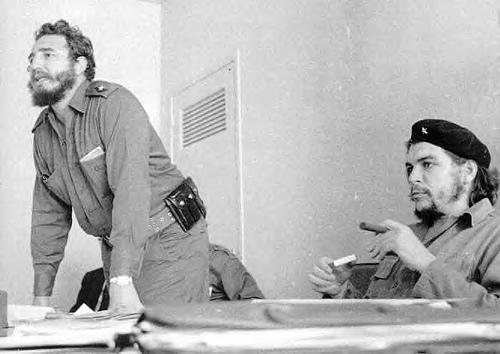 Fidel Castro junto al terrorista argentino Ernesto Che Guevara