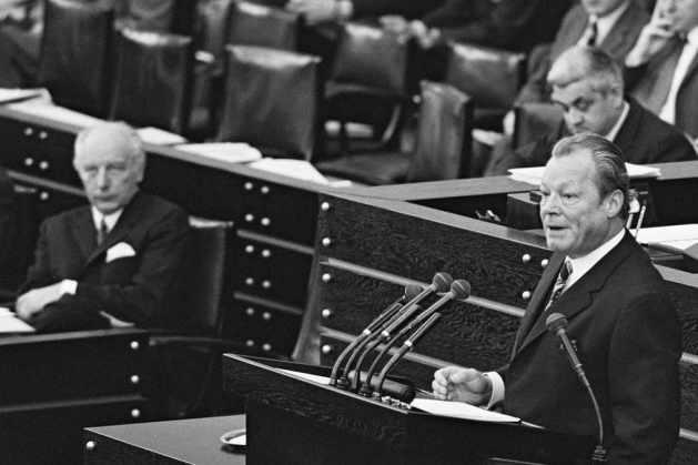 Bundestagsdebatte mit Willy Brandt und Walter Scheel