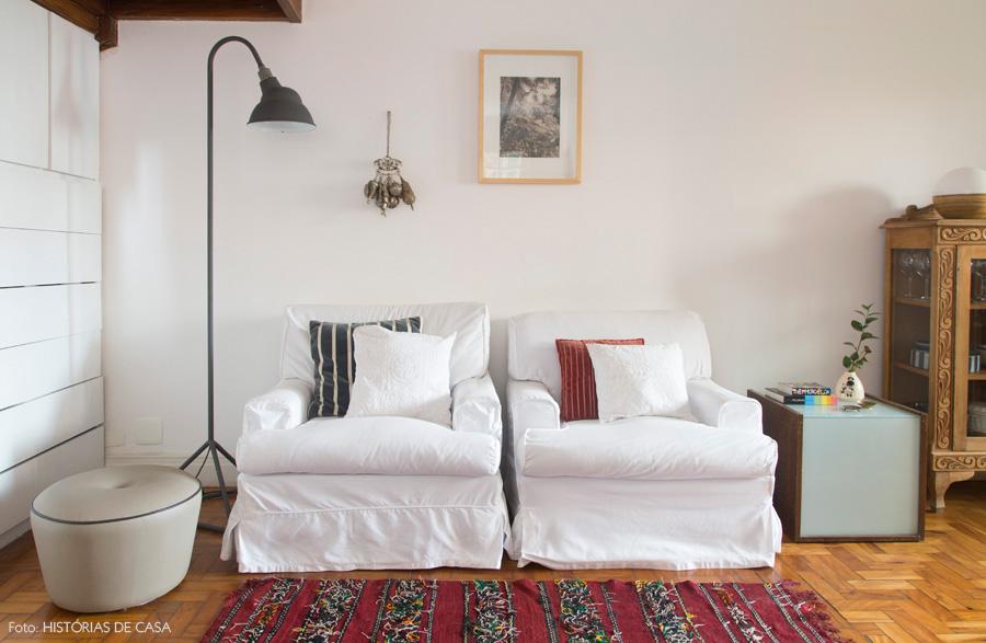 decoracao-casa-de-vila-historiasdecasa-15back-poltronas-brancas