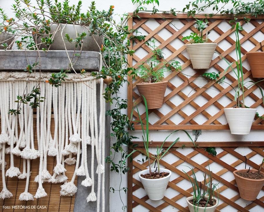 22-decoracao-jardim-quintal-casa-plantas-macrame