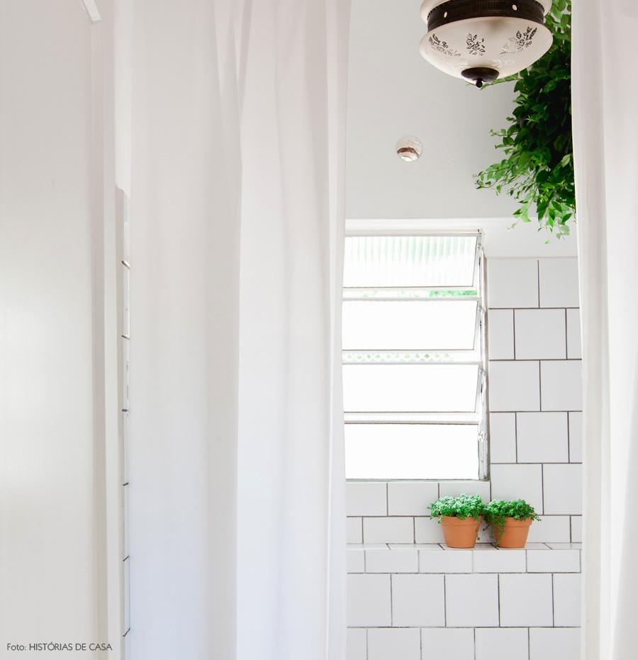 39-decoracao-banheiro-vintage-cortina-azulejo