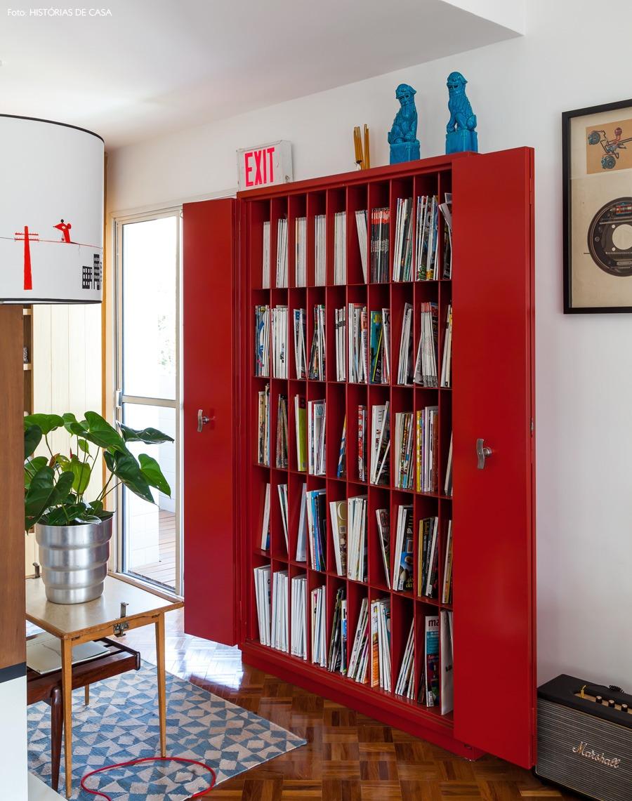 16-decoracao-estante-revisteiro-metal-industrial-vermelho