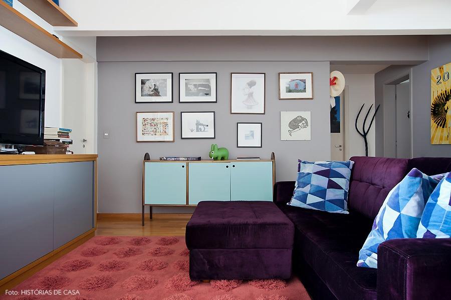 15-decoracao-sala-tapete-sofa-colorido-cinza
