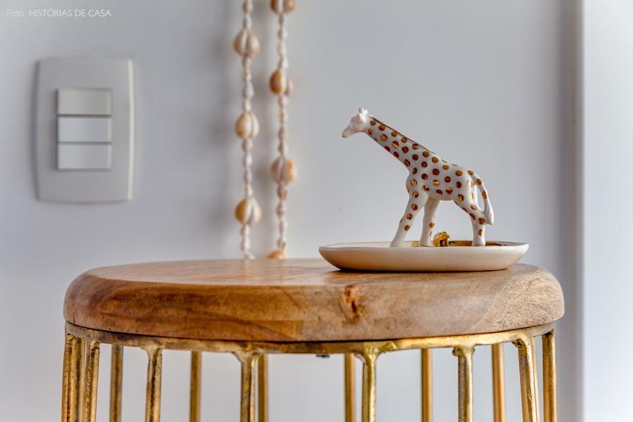 32-decoracao-quarto-detalhe-girafa-dourado