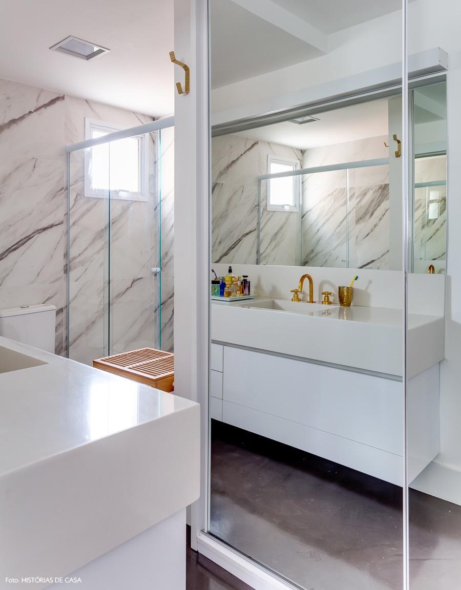 37-decoracao-banheiro-branco-dourado