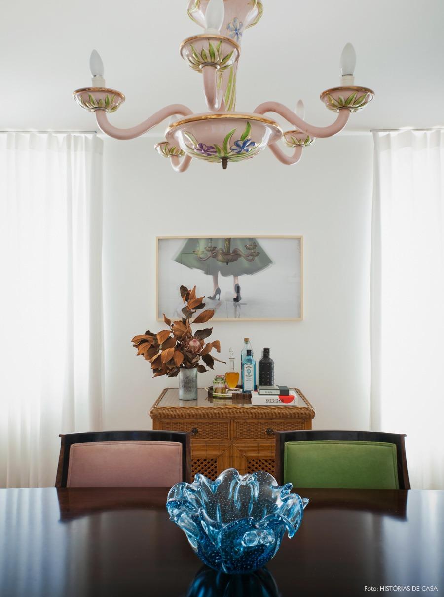 36-decoracao-sala-jantar-lustre-antigo-bar