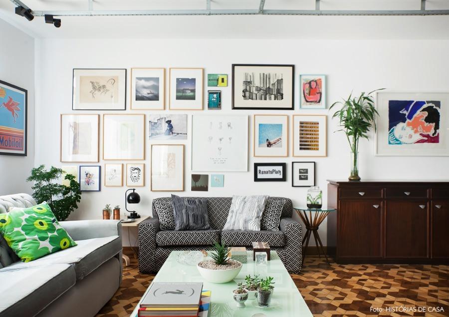 05-decoracao-sala-parede-quadros-gallery-wall-sofa