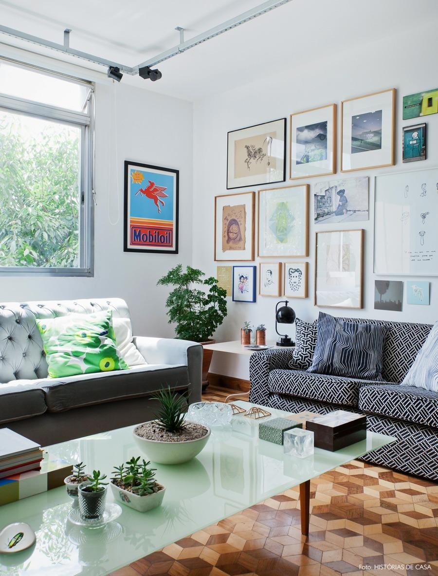 06-decoracao-sala-parede-quadros-gallery-wall-sofa