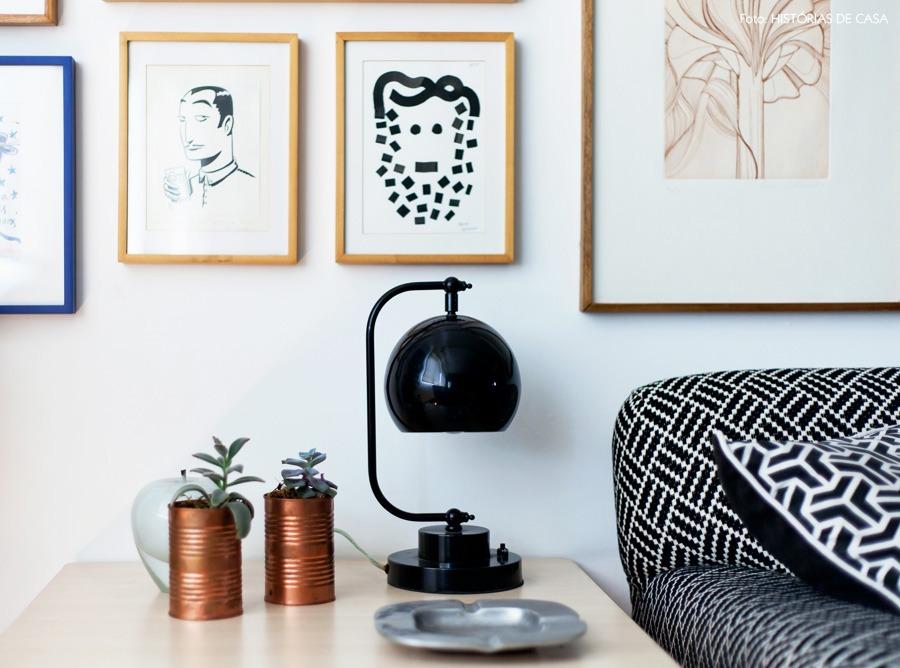 07-decoracao-sala-quadros-plantas-apartamento-suculentas