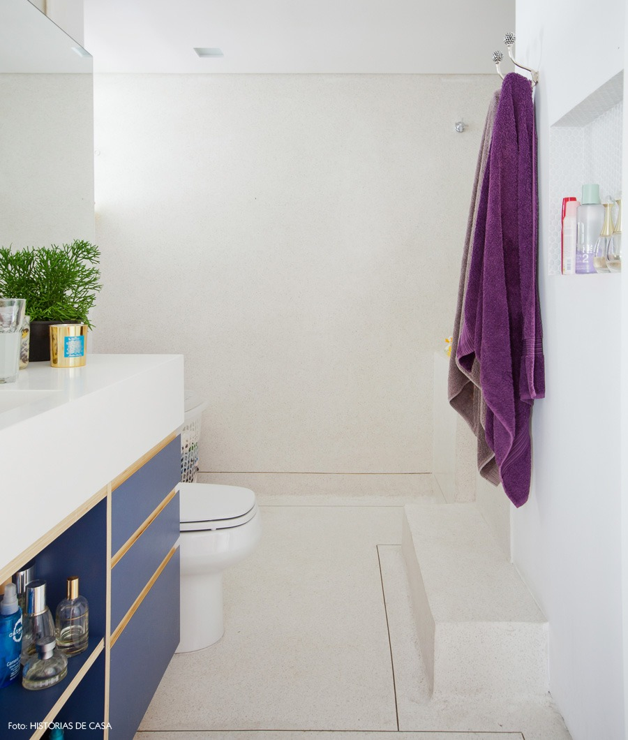 41-decoracao-banheiro-granilite-marcenaria-azul