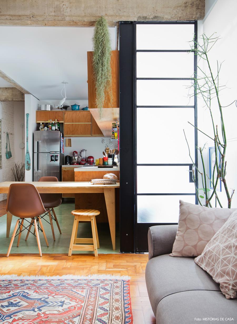 19-decoracao-sala-estar-cozinha-integrada-tijolinho-concreto-ladrilho