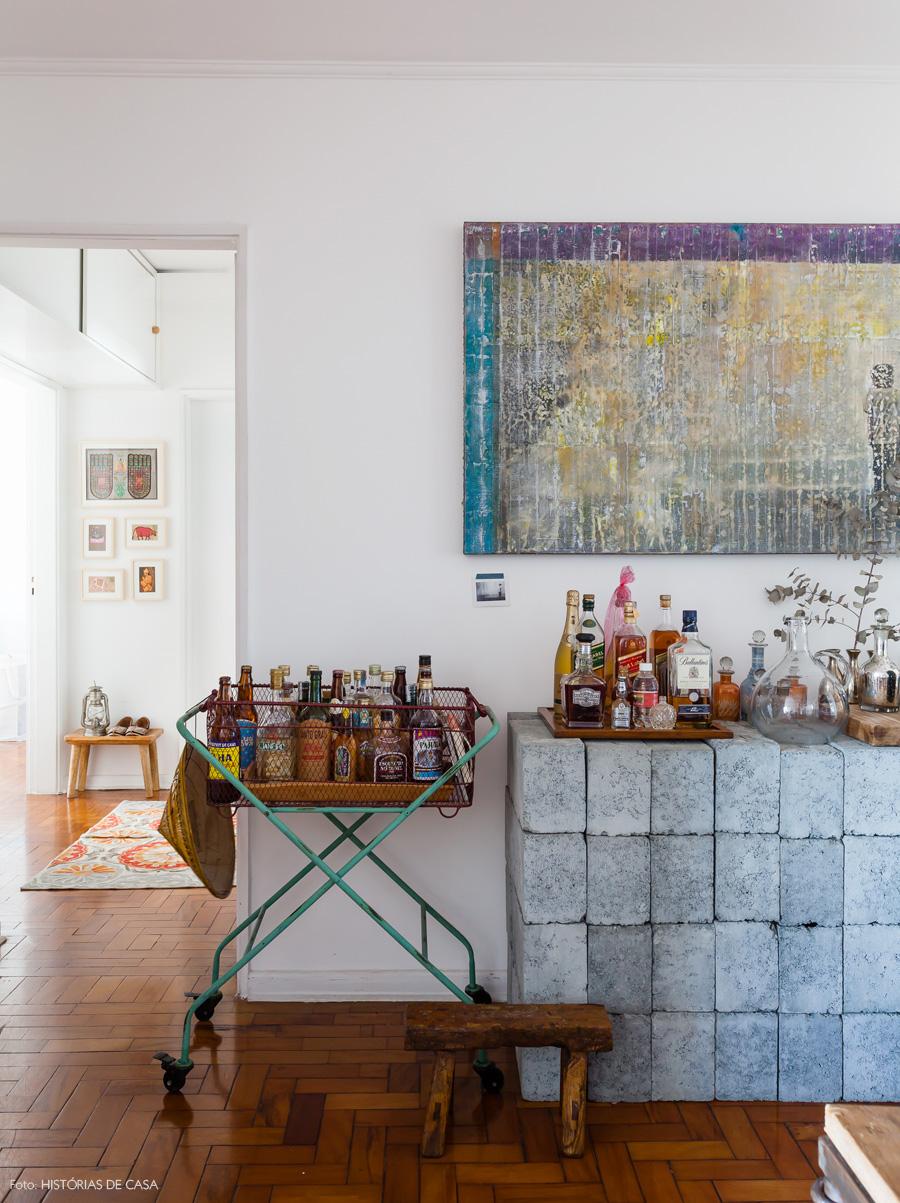 28-decoracao-sala-estar-bloco-concreto-movel-aparador
