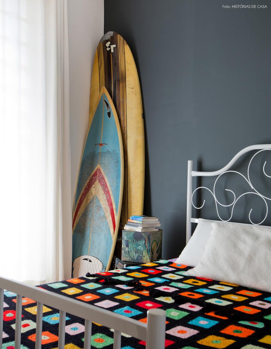 44-decoracao-quarto-cabeceira-tubular-pranchas-surf
