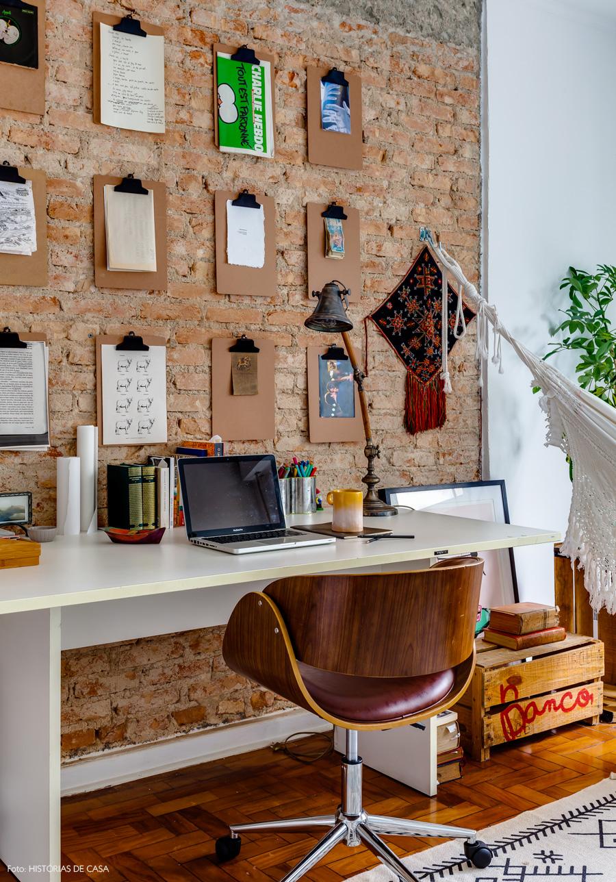 45-decoracao-escritorio-home-office-tijolinho-parede-pranchetas