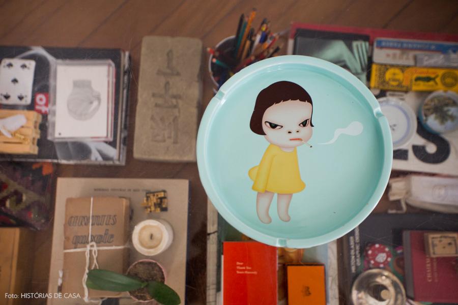 09-decoracao-sala-estar-mesa-centro-acrilico-quadros