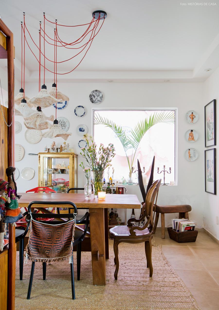22-decoracao-sala-jantar-tapete-fibra-acessorios-coloridos