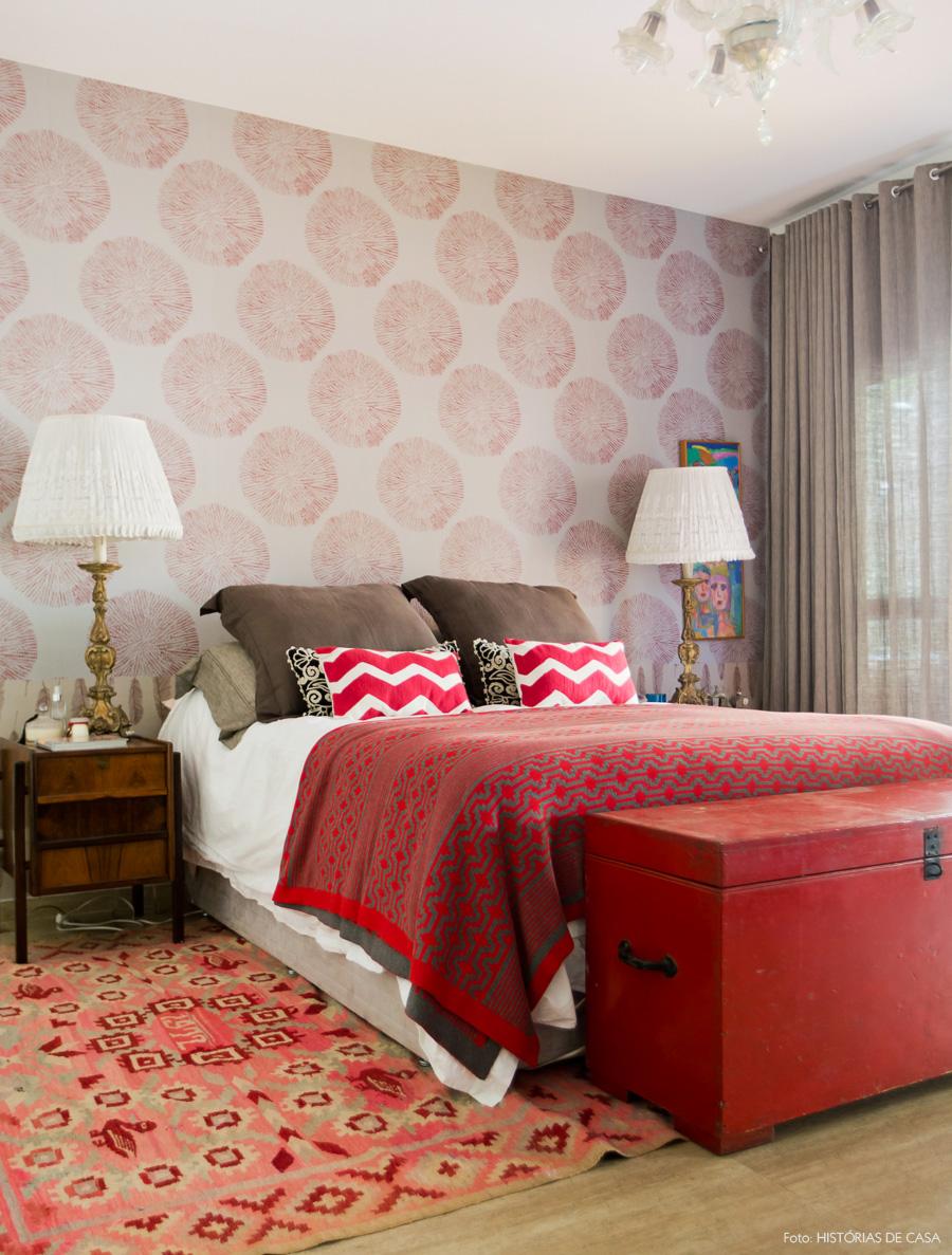 31-decoracao-casa-quarto-tons-vermelho-papel-de-parede