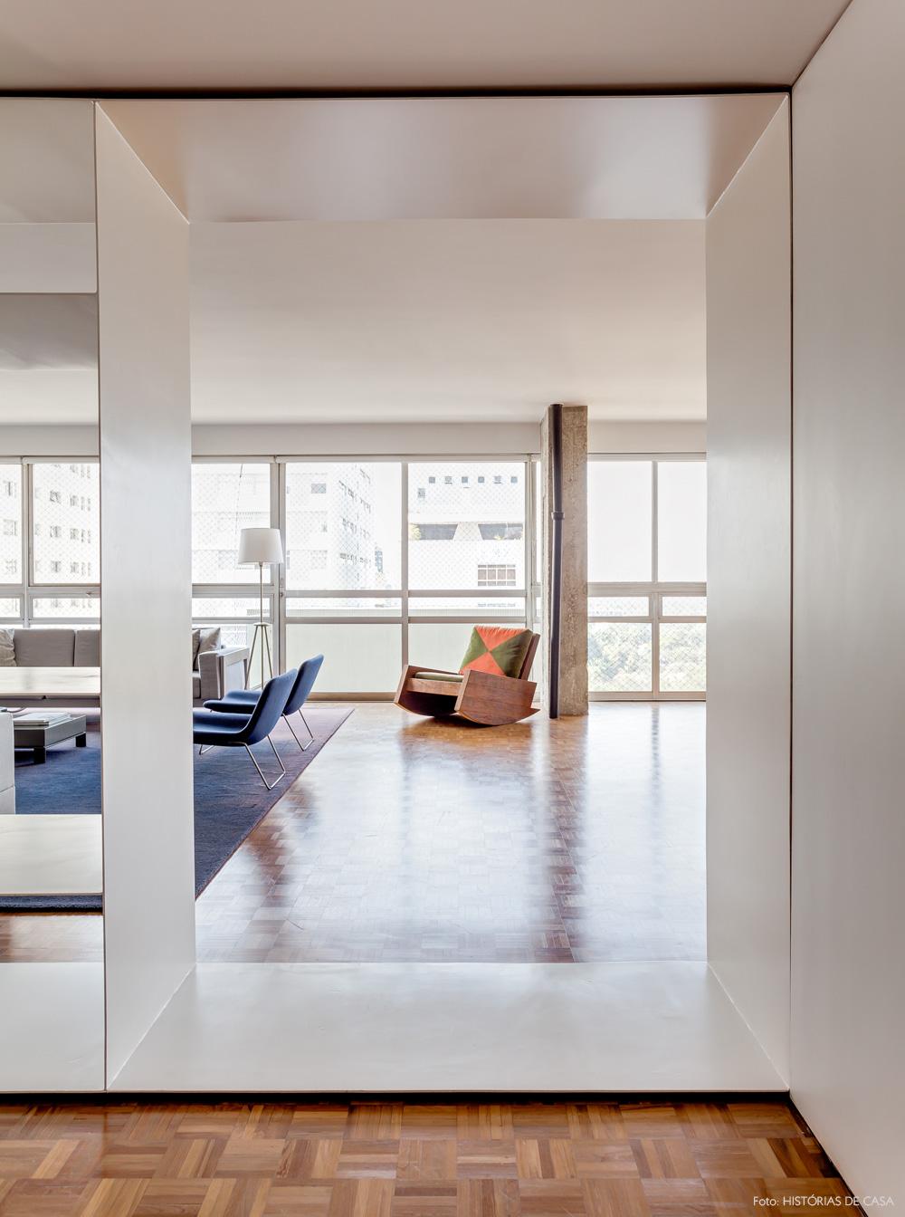 03-decoracao-apartamento-arquitetura-hall-entrada-branco-carlos-motta