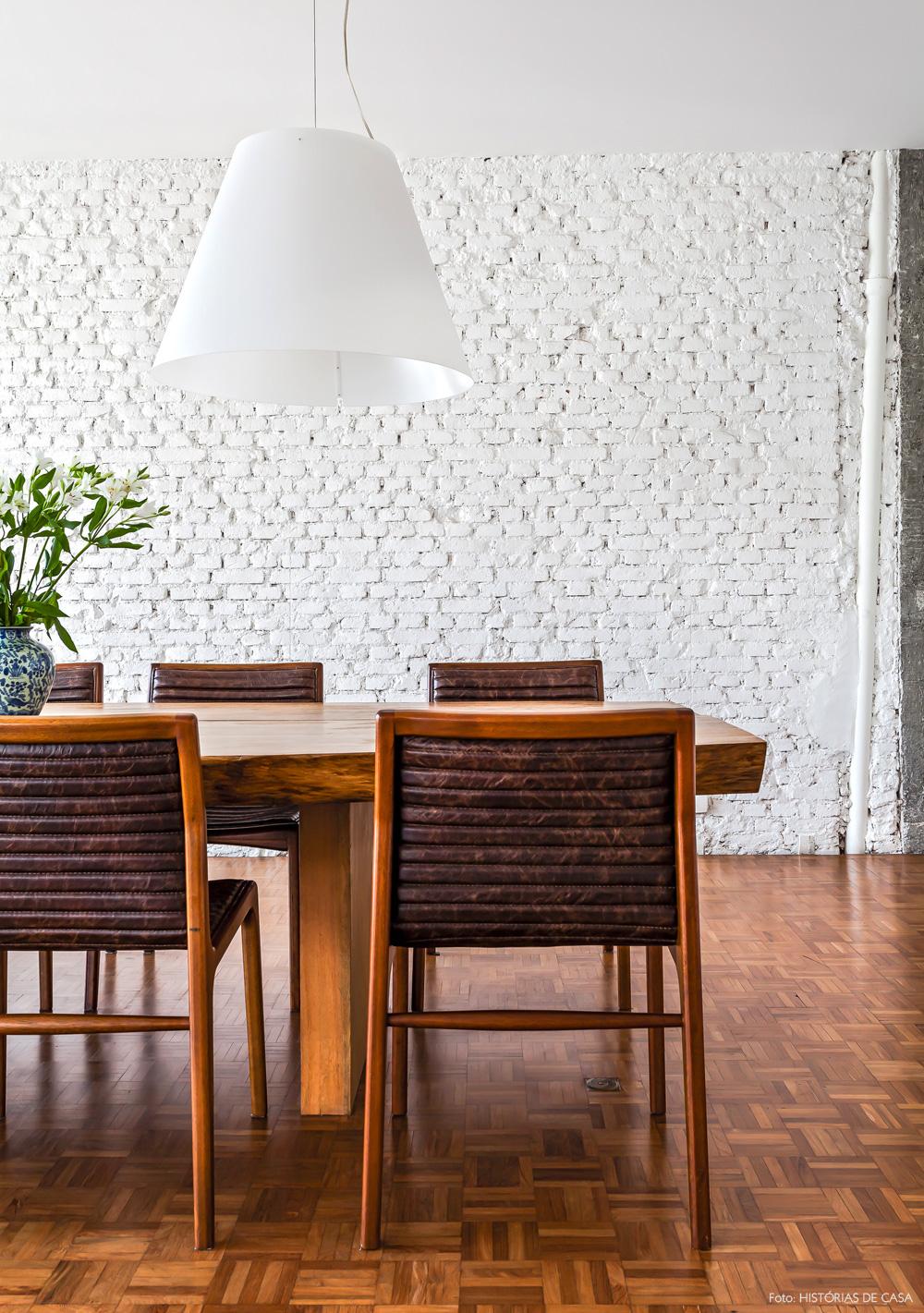 19-decoracao-sala-de-jantar-tijolinho-branco-mesa-rustica