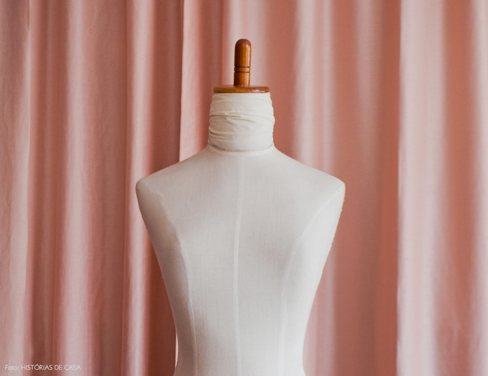 28-decoracao-atelie-figurinista-nanda-sansone-cortinas-rosa
