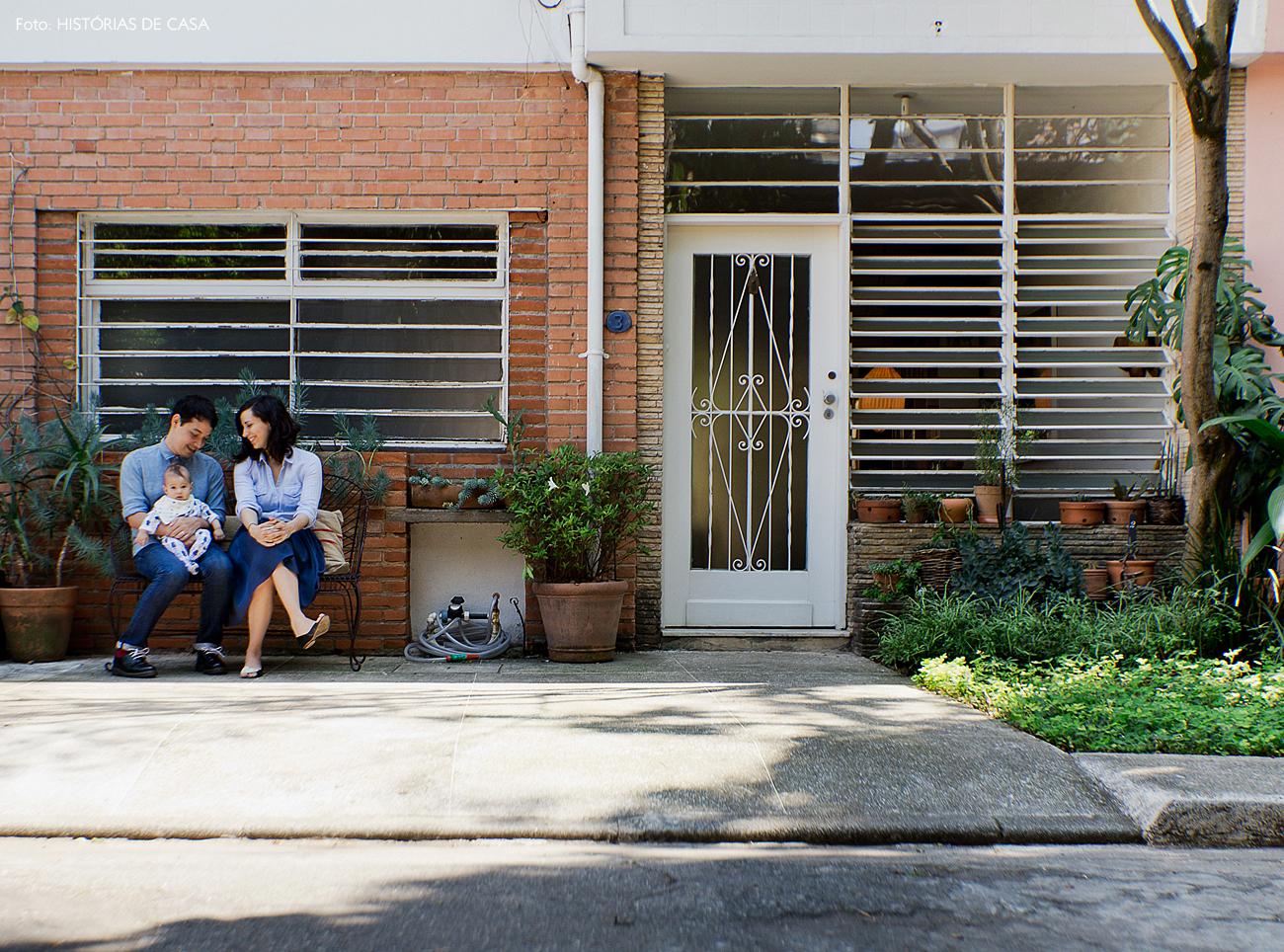 01-decoracao-casa-de-vila-fachada-tijolinhos-jardim