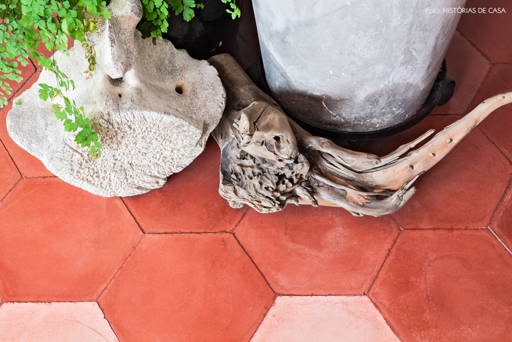 05-decoracao-apartamento-piso-ladrilhos-hexagonal-rosa