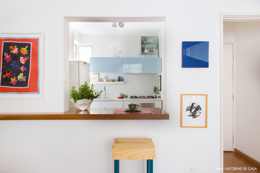 18-decoracao-cozinha-americana-passa-prato-pastilha-branca