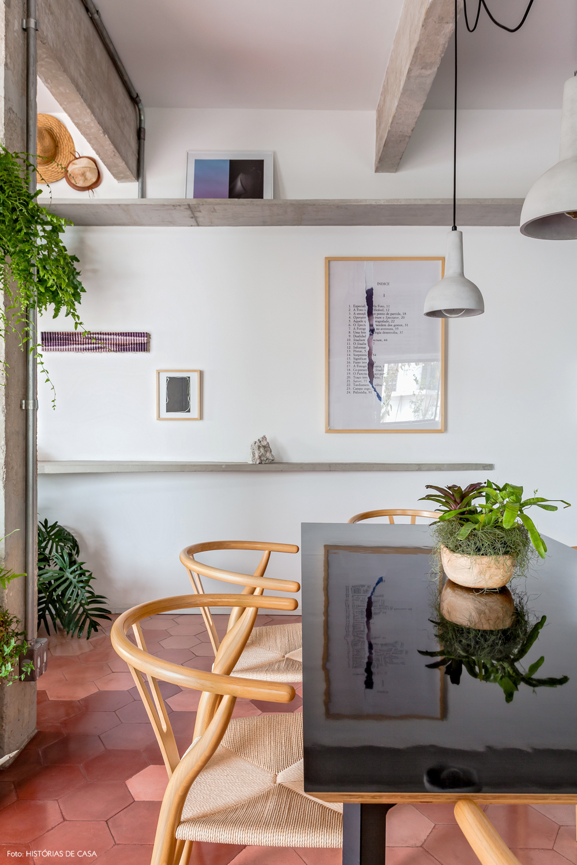 24-decoracao-apartamento-sala-jantar-ladrilho-hidraulico-rosa-piso