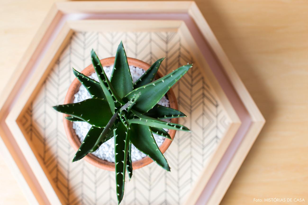 20-decoracao-apartamento-sala-de-jantar-bandejas-hexagonais