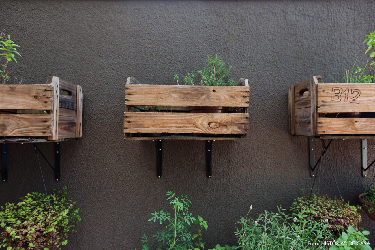 33-decoracao-jardim-dos-fundos-horta-caseira-caixotes