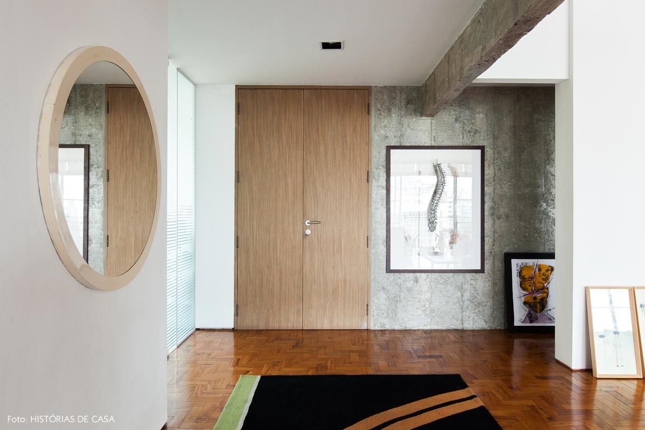 01-decoracao-parede-concreto-madeira-tons-claros