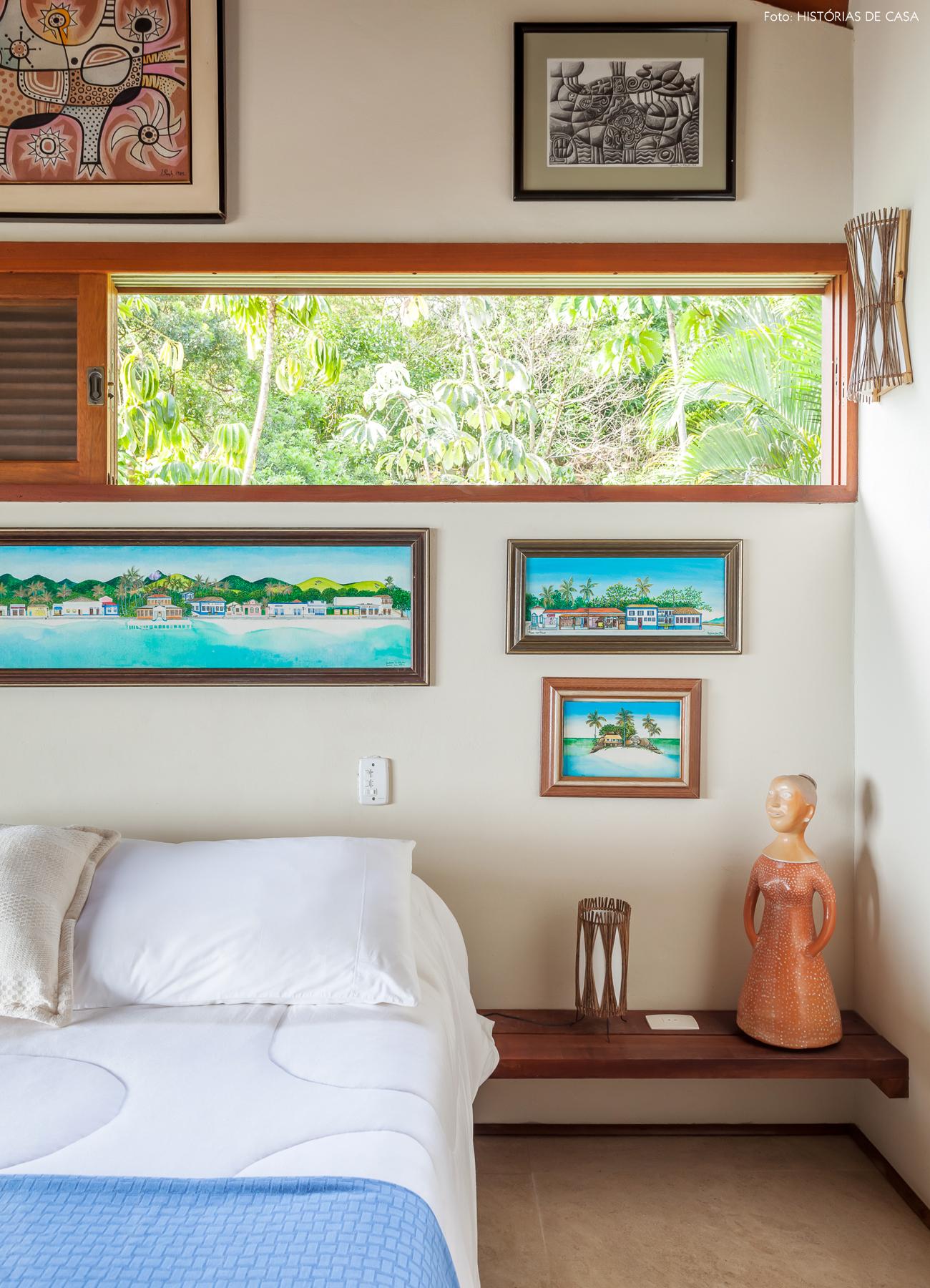 26-decoracao-casa-de-praia-de-madeira-quarto-azul-e-branco